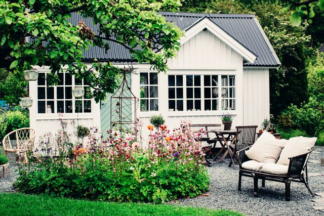 For the full tour, visit Lovely Life.