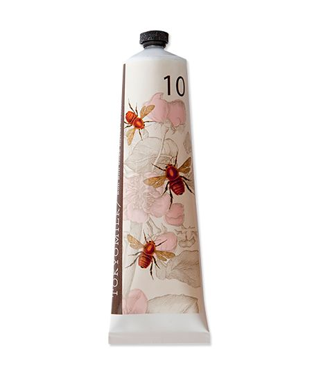 The light green tea and dandelion scent of this hand cream is an excellent summer alternative to heavier perfume.