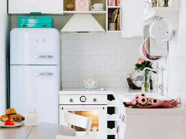 Inside a Truly Romantic Parisian Apartment