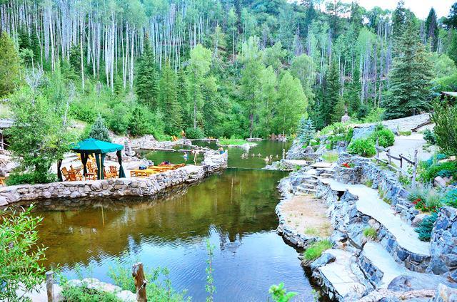 Strawberry Park Natural Hot Springs, Colorado