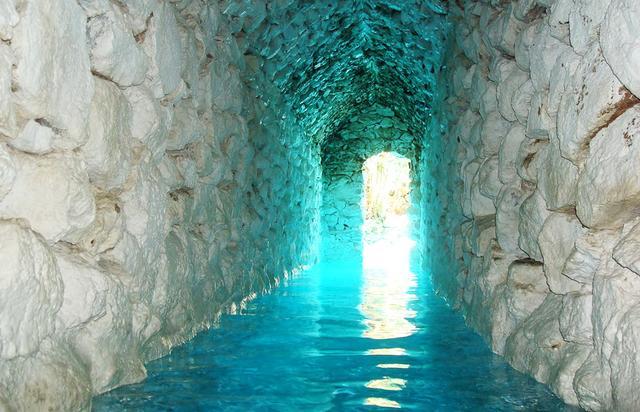 La Gruta Hot Springs, Mexico