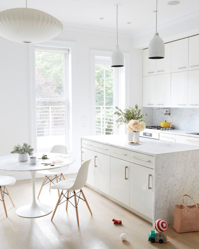 Who said you can't enjoy a white home with children? Jessie Randall, creative director of shoe and handbag line Loeffler Randall, proves all the cynics wrong with her insanely chic Brooklyn...
