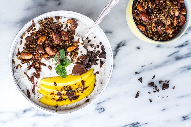 Coconut Banana Oats Bowl With Quinoa Cereal and Mango