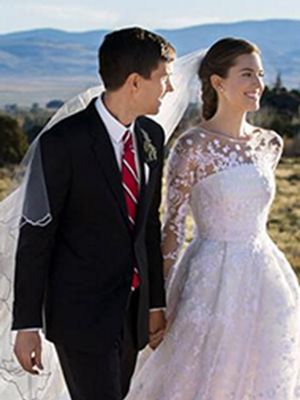 Allison Williams's Wedding Dress Is GORGEOUS