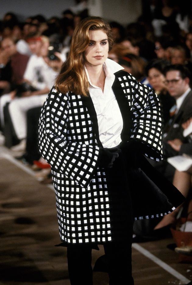 18 Retro Photos That Prove Cindy Crawford Is the Ultimate Runway Model