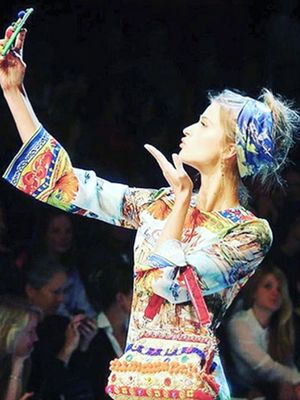 The Funniest #Selfies at the Dolce & Gabbana Fashion Show