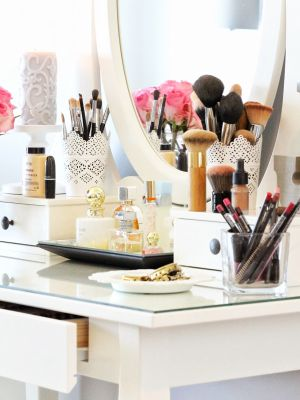 NEVER Store Your Makeup Brushes Like This