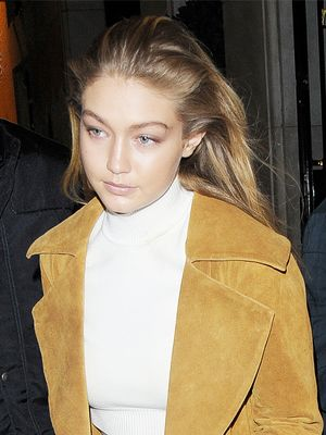 Gigi Hadid Stepped Out in the Perfect Fall Coat (You Need!)