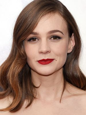 Look of the Day: Carey Mulligan's Soft Retro Waves