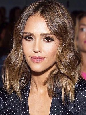 Jessica Alba's Easy Trick for Wearing Your Summer Dresses in Fall
