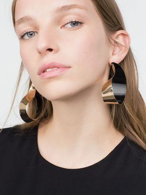 Zara Just Stepped Up Its Accessories Game Big Time