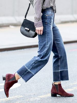 This Denim-and-Boots Combo Is Spot-On for Fall