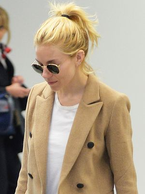 Sienna Miller's Airport Shoes Are Comfortable and Amazing
