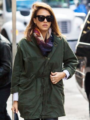 Jessica Alba's Easy Trick for Dressing Up a Fall Look