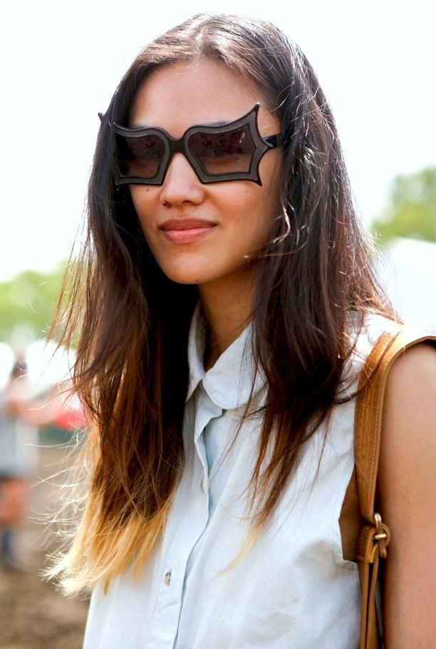 Street Style: White Collared Shirts + Statement Sunglasses