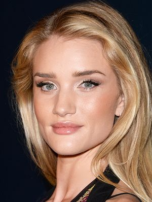 The Secret to Rosie Huntington-Whiteley's Glow