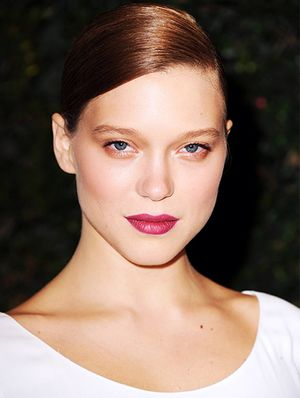 Lea Seydoux Is The Model of Holiday Makeup Perfection