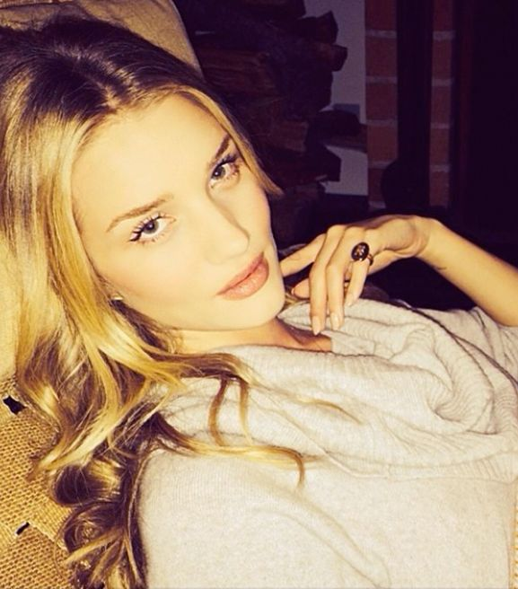 The Clothing & Beauty Items Rosie Huntington-Whiteley Can't Live Without This Fall