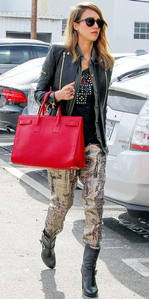 Jessica Alba Heads Into Her Santa Monica Office.
