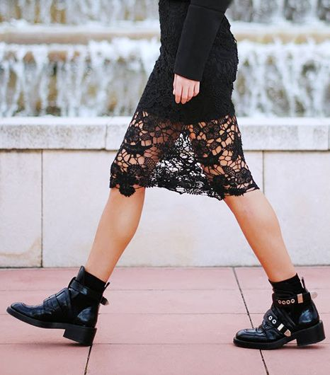 Awesome Outfit Idea: Feminine Dresses & Chunky Boots