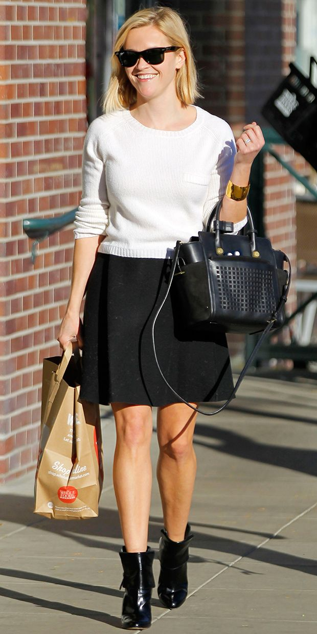 Reese Witherspoon Gets Flirty In Theory.
