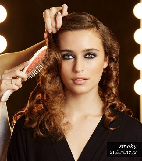 Hair: Brush Out Curls