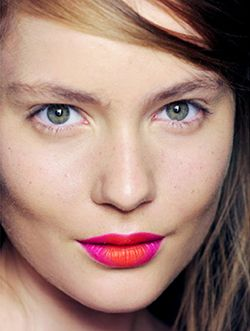 Weekend Dare: How About A Two-Toned Lip?