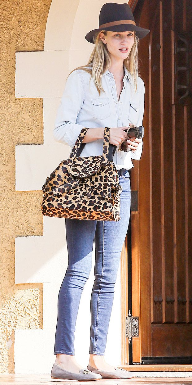 Rosie Huntington-Whiteley Keeps It Cool And Casual