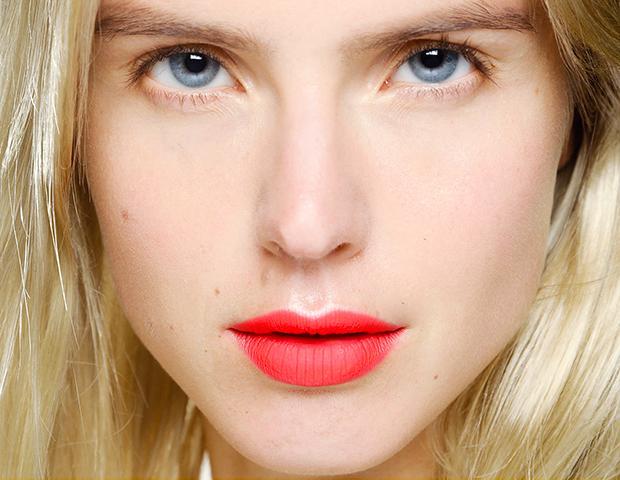 23 Understated Ways to Wear Neon Makeup