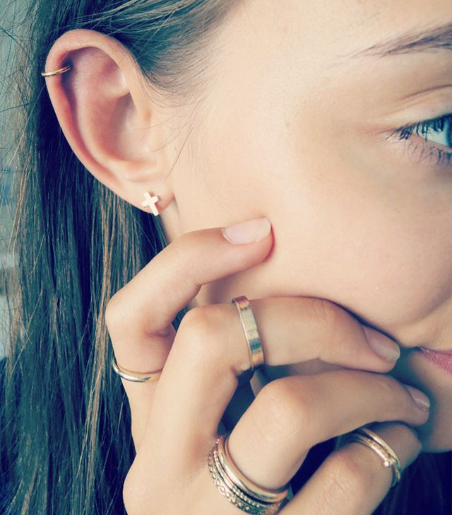 A simple helix and lobe pairing is a more subtle way to get in on the trend.
