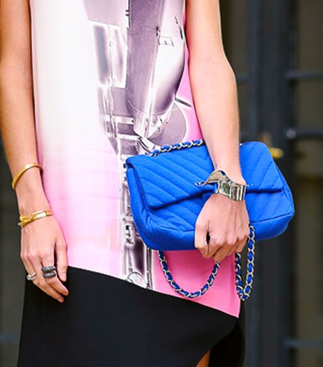 14 Items Every Woman Should Have In Her Purse