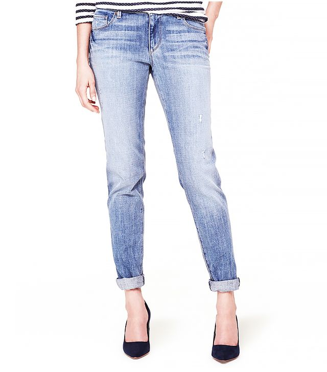The Body: Athletic Figure  The Jeans:Loft Relaxed Skinny Jeans ($80)in Supreme Blue Wash  The Slimming Trick: Flaunts your figure through a relaxed and easygoing skinny...