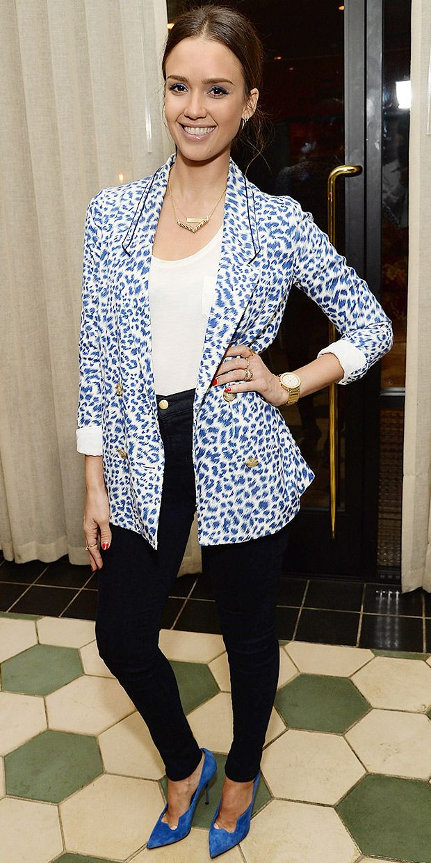 Jessica Alba's Covet-Worthy Printed Blazer Can Be Yours