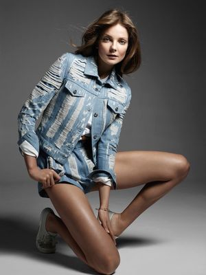 Fresh Denim Inspiration For Spring From Vogue Turkey