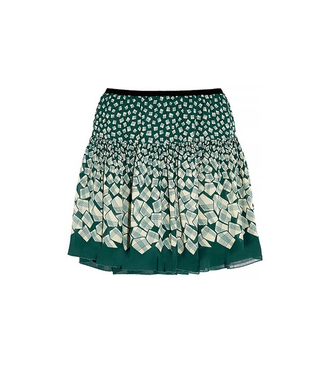 Look for skirts with volume-boosting details like pleats, ruffles, or pockets, which will create the illusion of hips.