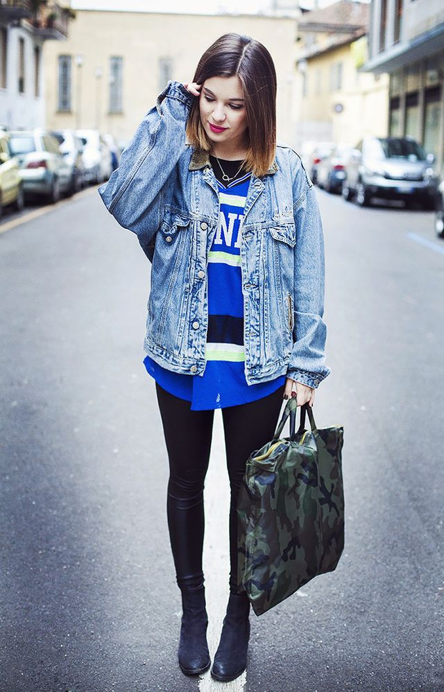Style a worn-in jean jacket with a graphic top and sleek skinny jeans for a sporty-girl vibe.