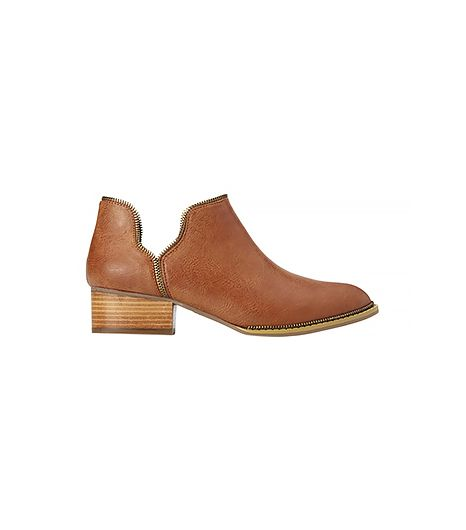 Forever 21 is truly upping their shoe game. Case in point: these classic low-cut ankle booties, revamped with zipper details.  Forever 21 Metal Moment Booties ($40) in Tan