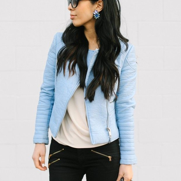 Moiology is wearing: Zara jacket, Vince blouse.