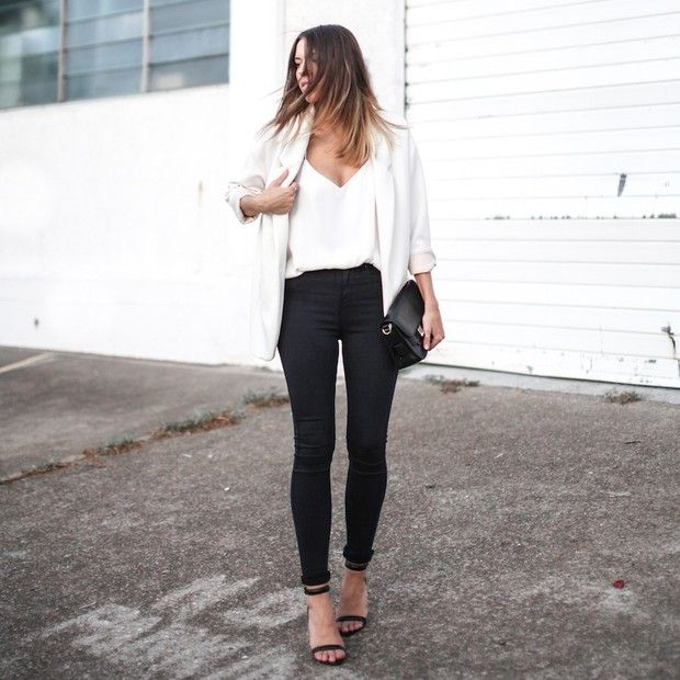 Modernlegacy is wearing: Zara blazer, Camilla and Marc tank top, Lee jeans, Proenza Schouler bag, Alexander Wang heels.