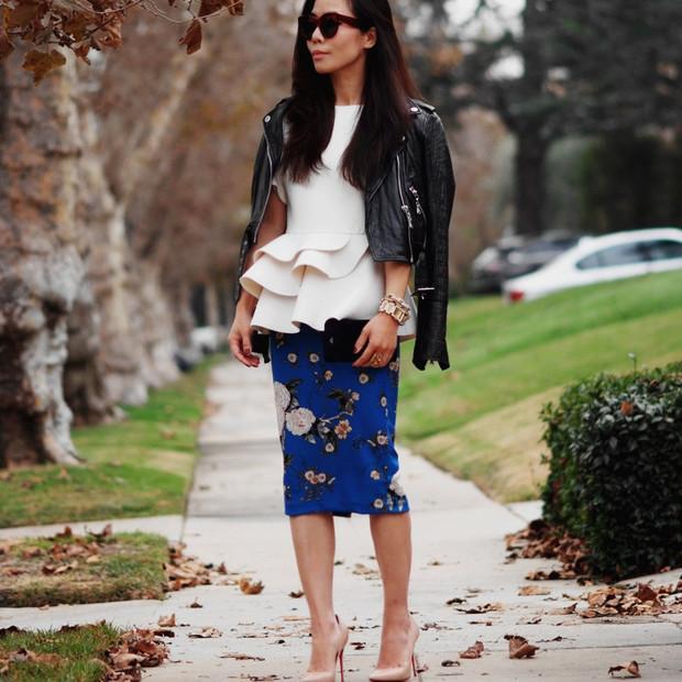 Halliedaily is wearing: Zara skirt, Christian Louboutin heels, Celine sunglasses.  Get The Look:  Alice + Olivia Sleeveless Peplum Top ($95) in White  See more ways to wear peplum...