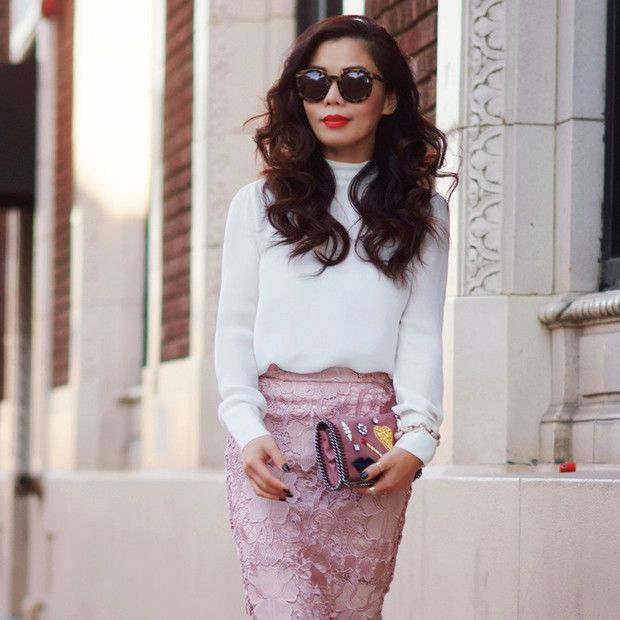 Halliedaily is wearing: Zara skirt, Stella McCartney bag.