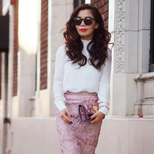Halliedaily is wearing: Zara skirt, Stella McCartney bag.  Get The Look:  Club Monaco Celeste Lace Skirt ($150) in Sunbathe  See more ways to wear lace skirts on Pose.com.