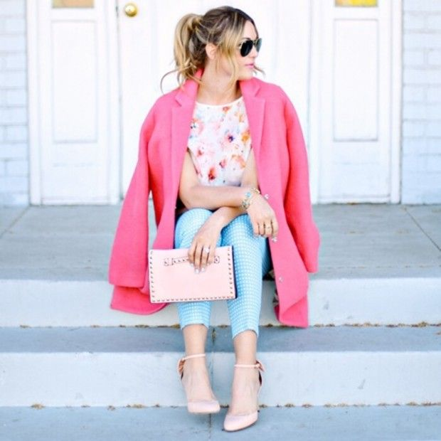 Dashofdarling is wearing: Topshop Pants, Ray-Ban sunglasses, J. Crew heels.