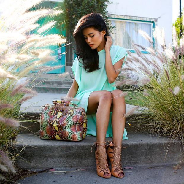 Lustforlife is wearing: Alice + Olivia bag, Schutz heels.  Get The Look:  Charles Jourdan Snakeskin Zip Leather Satchel Bag ($207) in Multi  See more ways to wear snakeskin bag on...
