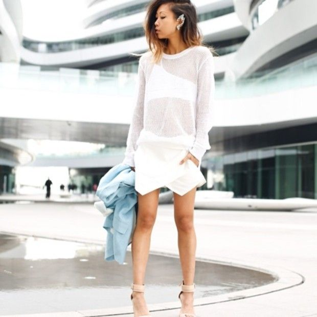 Thehautepursuit is wearing: Zara skirt, Zara heels, Yesstyle shirt.
