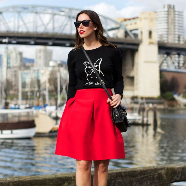 Tovogueorbust is wearing: 424 Fifth Sweater, 3.1 Phillip Lim bag, H&M sunglasses.