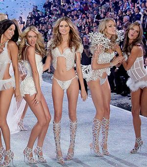 Links We Love: #RichPeopleProblems, Victoria's Secret's Big News, & More