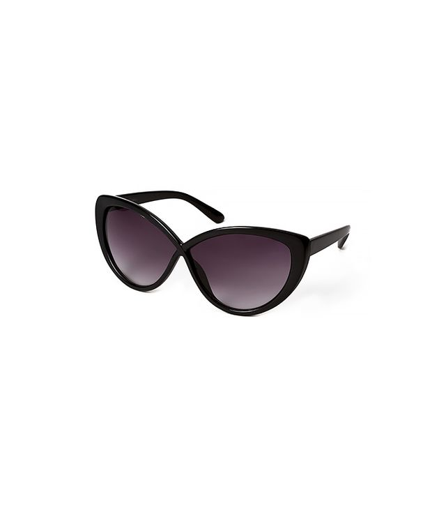 Forever 21 Old School Cat-Eye Sunglasses ($6)  Huntington-Whiteley rocks cat-eye sunglasses well, and you can too.