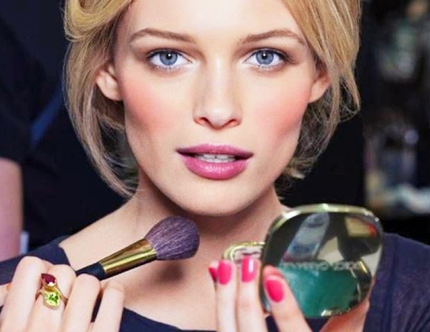 Headed to the Makeup Counter? Read These Etiquette Tips First