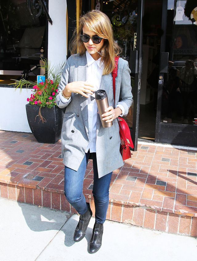 9 Genius Style Lessons Learned From Jessica Alba